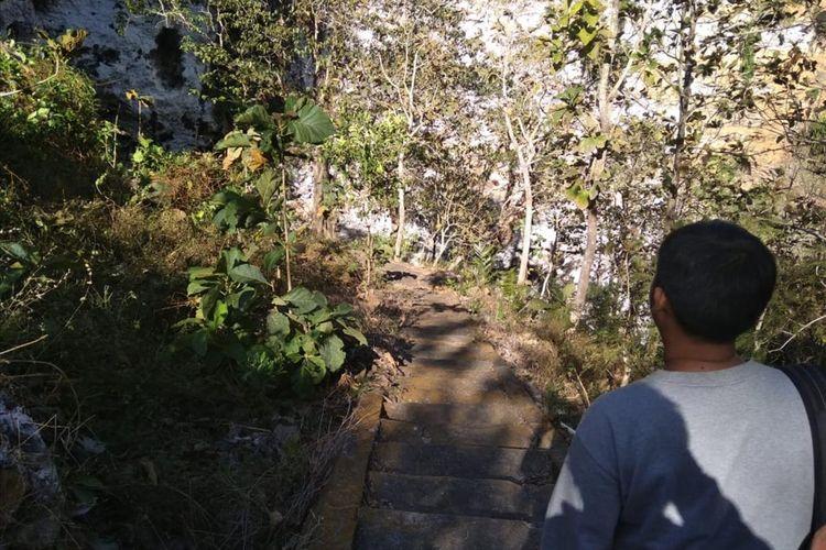 Jalan Menuju Gua Song Gilap