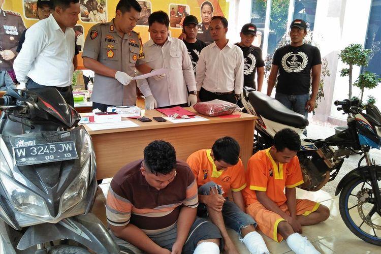Komplotan jambret kakak-beradik yang berhasil diringkus petugas kepolisian Lamongan.