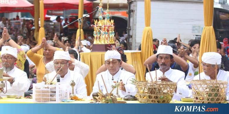 bandar lampung hindu singles Current local time and time zone in bandar lampung, indonesia  but the hindu culture of the former majapahit empire does provide a framework for many of the.
