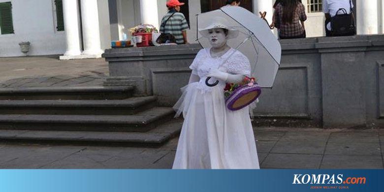 Berkenalan dengan Noni Belanda di Kota Tua