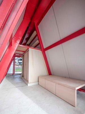 Rumah ini dirancang agar mudah untuk dirakit dan tidak membutuhkan keterampilan khusus dalam membangun.