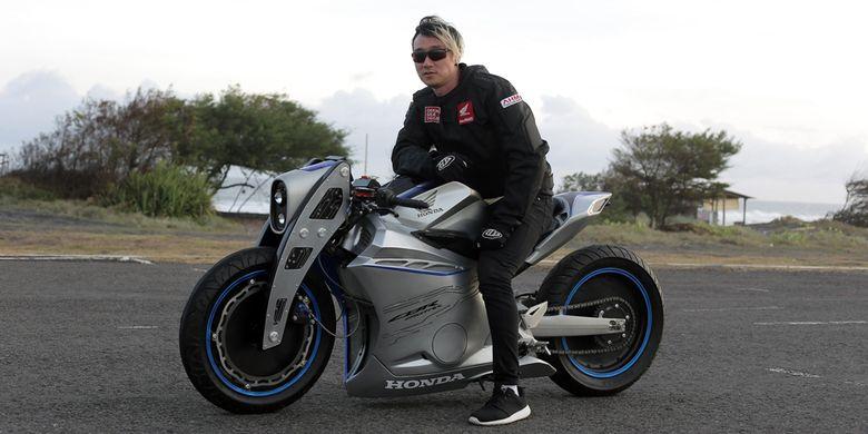 Modifikasi Honda CBR250RR karya Peterson Rivai dengan konsep Future Sport Bike