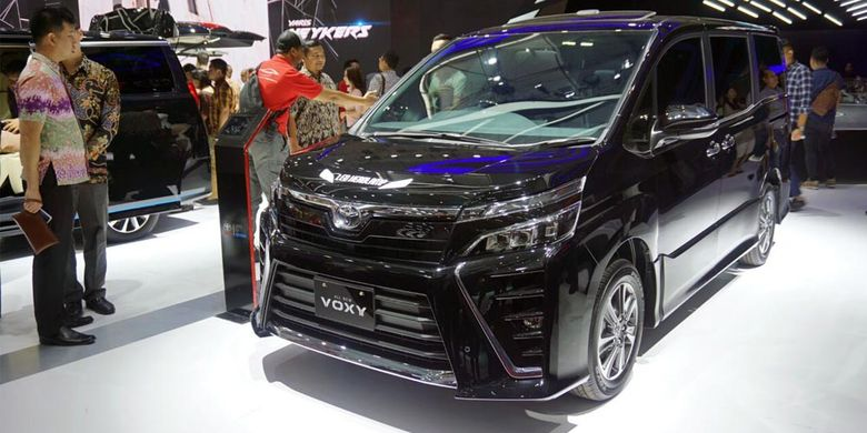 Jualan Toyota Voxy dan Alphard Naik