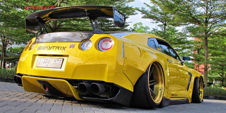 Modifikasi Nissan GTR Solo