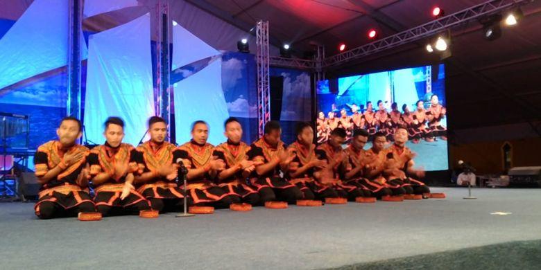 Saman Gayo binaan Duta Saman Institite (DSI) Jakarta saat tampil di Festival Janadriyah, Riyadh, Arab Saudi.