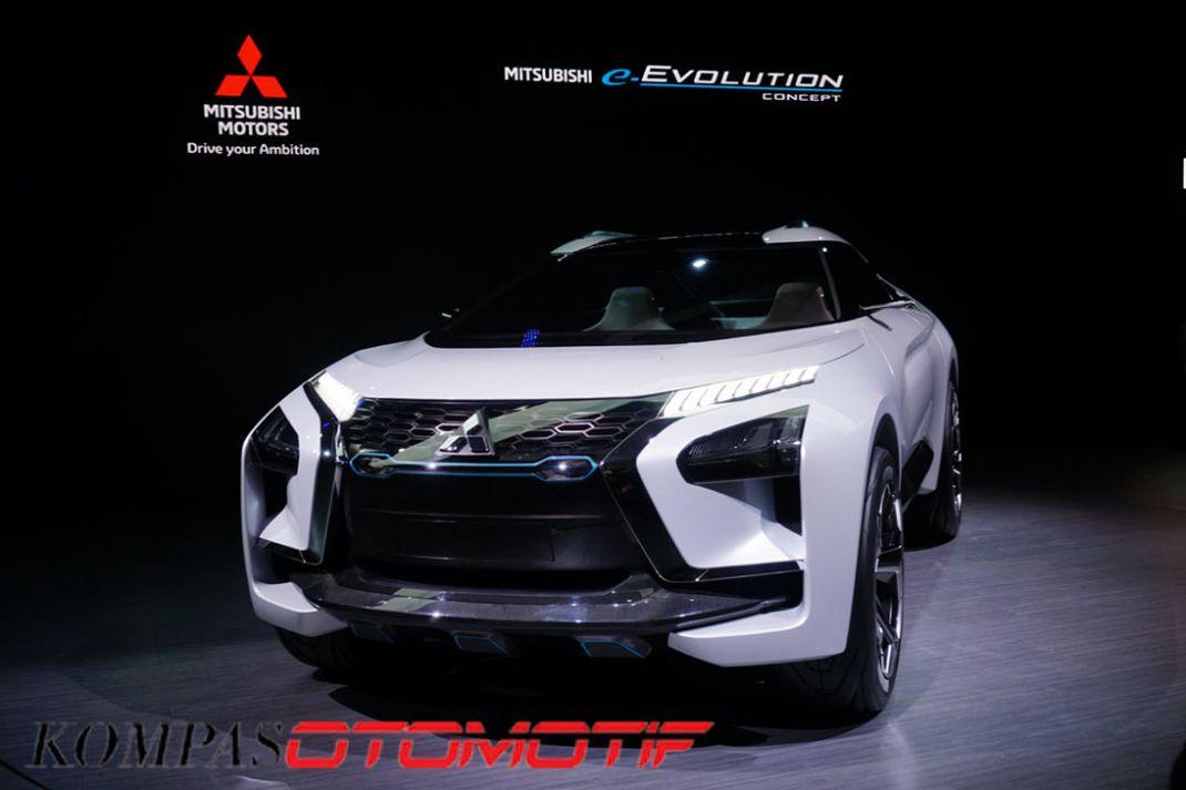 Mitsubishi e-Evolution Concept diperkenalkan Mitsubishi pada ajang Tokyo Motor Show 2017, Rabu (25/10/2017). Kendaraan ini menjadi visi desain dan teknologi masa depan Mitsubishi yang menerjemahkan tagline terbarunya,