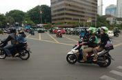 Pengendara Roda Dua Masih Ragu-ragu Lintasi Jalan MH Thamrin