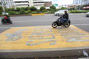 Pembatas Jalan Dibongkar, Motor dan Bus di Sudirman Dapat Satu Lajur Paling Kiri