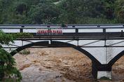 Ciliwung Meluap, Jembatan Panus Depok Sempat Ditutup