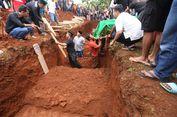 14 Jenazah Korban Kecelakaan Tanjakan Emen Dimakamkan secara Massal