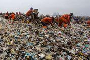 Anies Akan Pasang Jaring untuk Atasi Penumpukan Sampah di Sungai