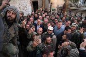 Presiden Assad Menyetir Mobil Sendiri ke Wilayah Konflik