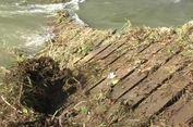 Jembatan Putus Dihantam Banjir, Warga 4 Dusun Terisolir