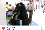 Viral, Video Aksi 'Peluk Saya' Perempuan Bercadar di Surabaya