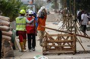 Cerita Pekerja Tinggalkan Keluarga di Kampung untuk Mempercantik Trotoar Sudirman-Thamrin