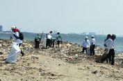 Peringati Hari Kemerdekaan, Komunitas Ini Bersih-Bersih Pesisir Laut di Ancol