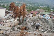 Wilayah Terdampak Likuefaksi di Sulteng Disemprot Disinfektan