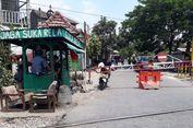 Begini Kondisi Pos Relawan Penjaga Perlintasan di Lokasi Tabrakan Kereta Vs Pajero di Surabaya