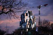 Gedung Karya Maestro Arsitektur Frank Gehry Hampir Rampung