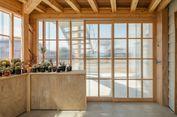 Desain Rumah Kaca Ini Cocok untuk Anda yang Suka Berkebun