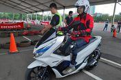 Cara Benar Mengendarai Motor Listrik Menurut Instruktur Keselamatan