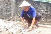 Pak Sarono, Biayai 75 Yatim-Piatu dengan Memecah Batu