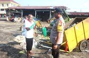 Jelang Hari Peduli Sampah, Polisi Turun ke Jalan Memungut Sampah