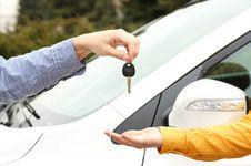 Tips Aman Cari Mobil Bekas di Situs Jual Beli Online