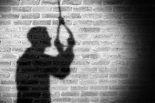 Mengenali Orang yang Memiliki Kecenderungan Bunuh Diri