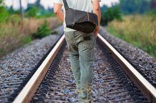 Kesepian, Fenomena Kekinian yang Menghantui Kehidupan