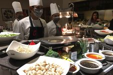 Santap Menu-menu Kuliner Asia di Century Park Hotel, Mau?