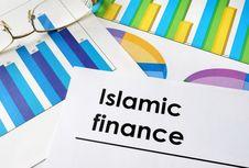 Inklusi Keuangan Syariah Masih Rendah Dibanding Malaysia, Apa Penyebabnya?