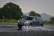 Lima Jurus Berkendara Kala Hujan Ala Chevrolet