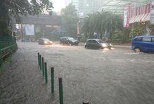 Jangan Pernah Nekat Terobos Banjir