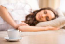 5 Minuman Sehat yang Ampuh Membantu Tidur Lebih Nyenyak