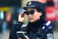 Kepolisian China Tangkap 7 Buronan berkat Kacamata Pengintai