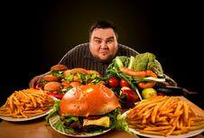 Mengapa Saat Diet Kita Justru Mengidamkan Makanan Tak Sehat