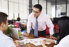 11 Cara Sederhana agar Disukai Bos Anda