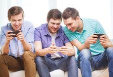Mobile Gaming Terus Naik saat Bisnis Ponsel Lesu