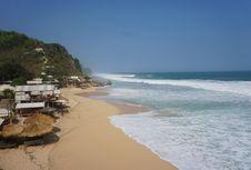 Pantai Watu Lawang, Menikmati Keindahan Pantai 'Tersembunyi' di Gunungkidul