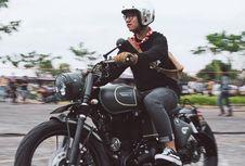Gaya Putra Jokowi dengan Motor Custom Terbarunya