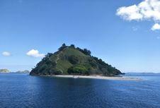 Pulau Kelor, Bukit Cantik Wajib Dikunjungi Sebelum Menuju Pulau Rinca