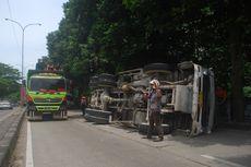 Truk Molen Hantam Angkot di Bogor, 2 Penumpang Tewas