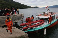 Panglima TNI dan Kapolri Tinjau Pencarian Penumpang KM Sinar Bangun