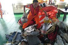BERITA FOTO: Temuan Tim di Lokasi Jatuhnya Lion Air, dari Kartu SIM, Ponsel, hingga Jenazah