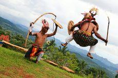 Melestarikan Tari Perang Caci sebagai Budaya dan Atraksi Wisata