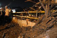 Tumpukan Sampah Penuhi Sungai Kanal Banjir Timur Semarang