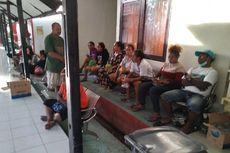 Mereka yang Gundah Mencari Keluarga yang Terseret Banjir Bandang di Sentani Jayapura...