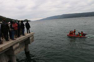Basarnas Belum Pastikan Objek di Dasar Danau Toba KM Sinar Bangun