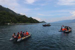 Penumpang KM Sinar Bangun: Aku Ditolong Tuhan, Kapal Feri Datang Mendekat...
